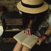books-film-girl-radio-vintage-Favim.com-46357_large5B15D